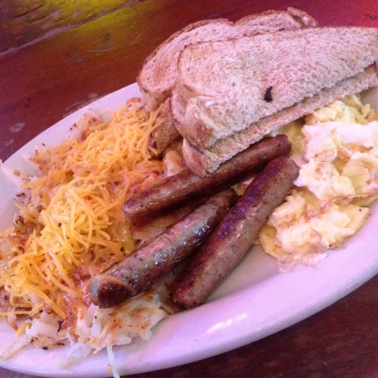Country Gentlemen plate (L-R: Hash browns with cheese, toast, scrambled eggs and sausage links)